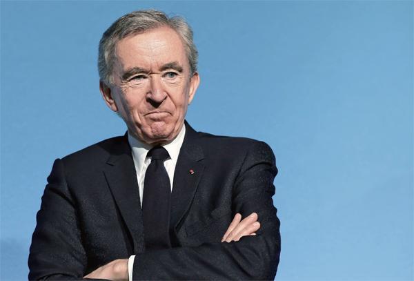 Bernard Arnault, the great master of Lu Wei Xuan Group, snickered