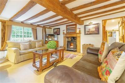 """Bring a garden """"thatched house"""" into a British national treasure"""