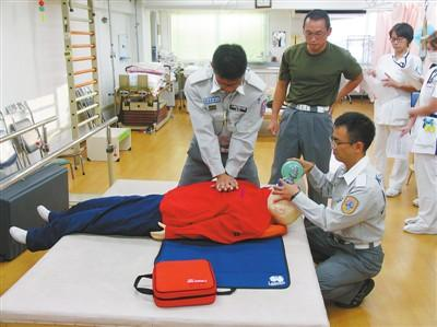 AED, seen everywhere in Japan