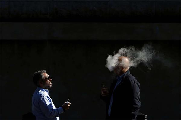 """E-cigarettes in the UK: """"good medicine"""" to quit smoking?"""
